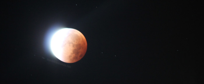 Total Lunar Eclipse (timelapse)