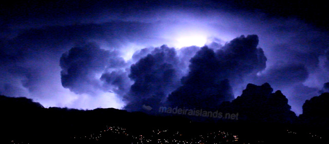 heat-lightning-madeira